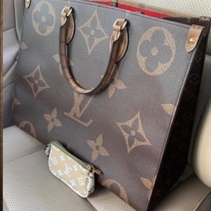 Authentic LV Reverse Giant Monogram Onthego Tote